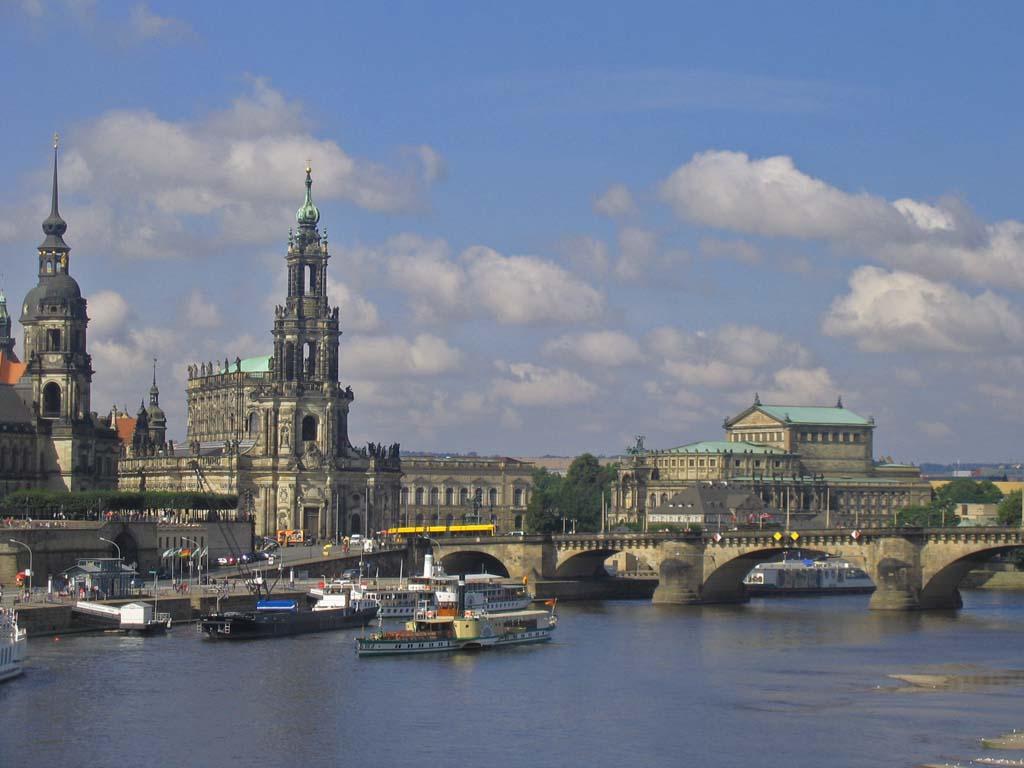 Mini Kühlschrank Dresden : Dresden mit neuer staatsoperette erleben compact tours