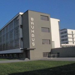 Bauhaus Dessau mit Seekonzert in Wörlitz