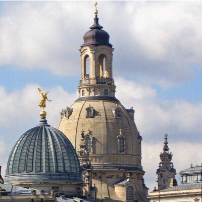 Orgelandacht Brühlsche Terrasse mit Frauenkirche und Kunstakademie Dresden