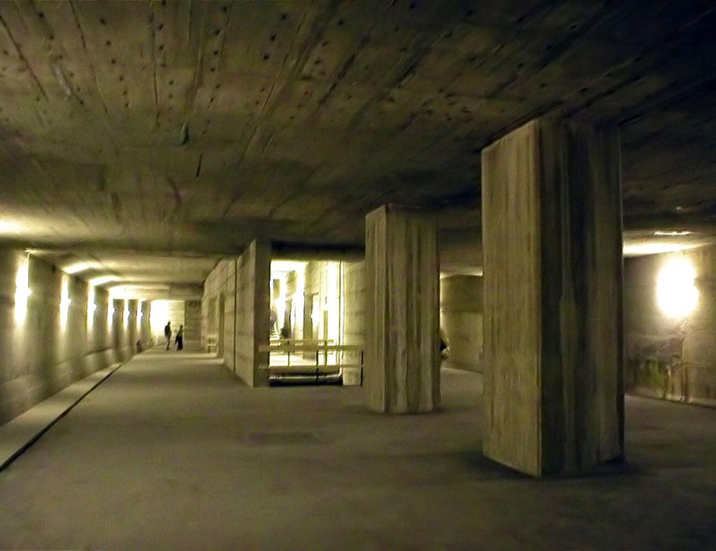 """Geisterbahnhof"" in Berlin"