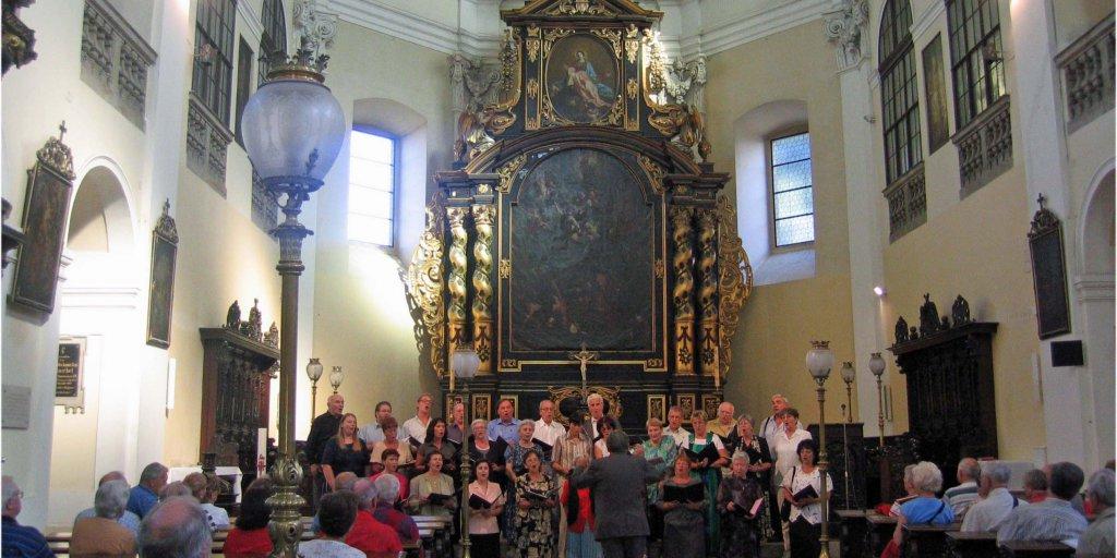Chorauftritt in einer Kirche