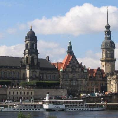 Schlösserfahrt Elbe Dampferfahrt auf der Elbe in Dresden