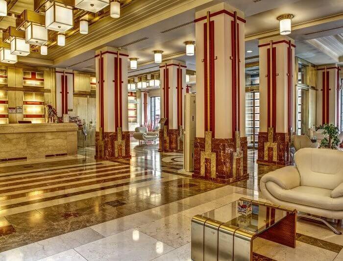 Majestic Plaza Hotel